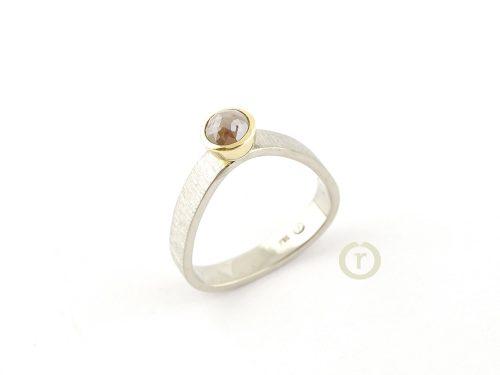 Ring 00585